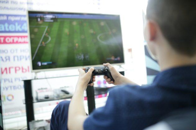 """Открытый киберспортивный турнир по игре """"FIFA 18"""" среди представителей молодёжных общественных объединений @ Центр содействия развитию молодежи"""